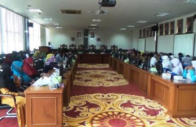 RDP DPRD PPU Bersama Guru Paud dan Disdikpora PPU