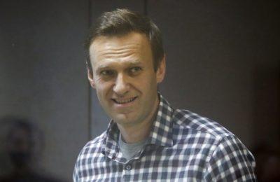 Politisi oposisi Rusia Alexey Navalny menghadiri sidang pengadilan di Moskow, Rusia, 20 Februari 2021. (Foto: Reuters)