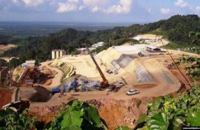 Tambang emas di kawasan Gunung Tumpang Pitu, Banyuwangi, Jawa Timur. (Foto: Courtesy of Walhi Jatim)