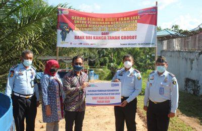 Rumah Tahanan Kelas II B Tanah Grogot mendapat bantuan 10.000 bibit ikan lele dan 20 sak pakan ikan dari BRI Cabang Tanah Grogot, Kabupaten Paser, Kalimantan Timur, Selasa (19/10/2021). (Ist)